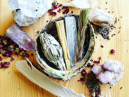 Sage Smudging Classic Kit with Selenite