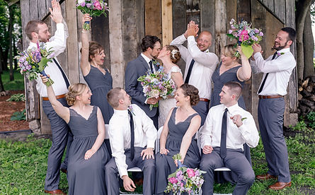 bride groom kiss wood shed flowers happy celebration
