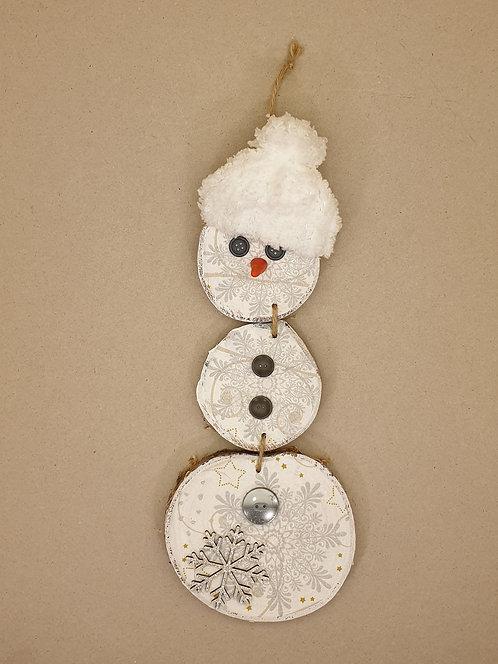 Sněhulák z březových koleček