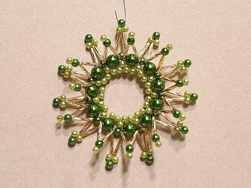 Vánoční ozdoba z korálků - hvězda D. světle + tmavě zelená - zlatá