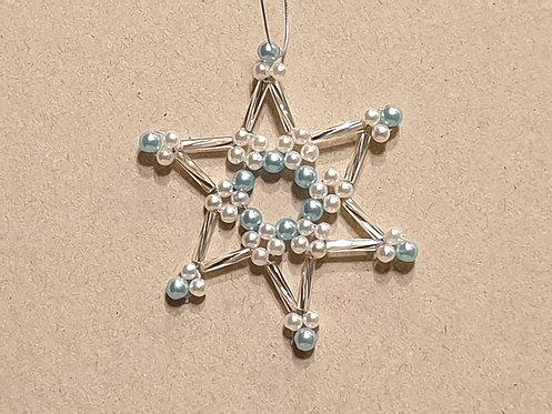 Vánoční ozdoba z korálků - hvězda G. ledově modrá-stříbrná