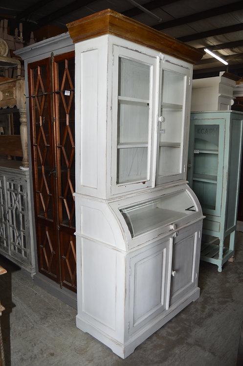 Julia Cabinet