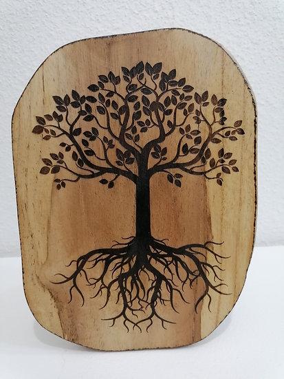 Tableau gravure Arbre de vie celtique sur une tranche de bois brut