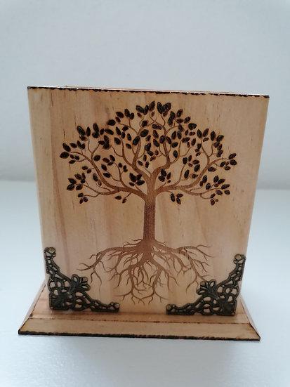 Pot étui  en bois gravé arbre de vie celtique (crayon, portable, télécommande)