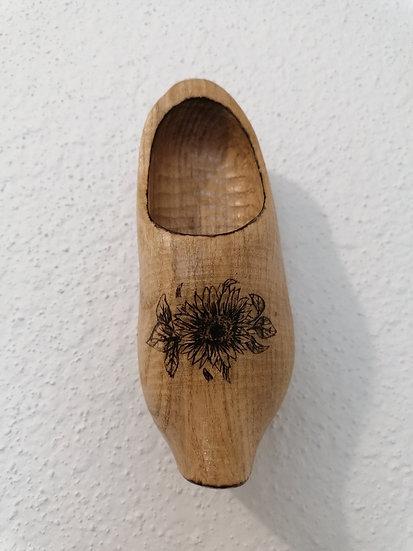 Sabot en bois  de Gérardmer gravé fleur de tournesol