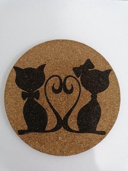 Dessous de plat en liège rond 19 cm gravé couple de chats amoureux