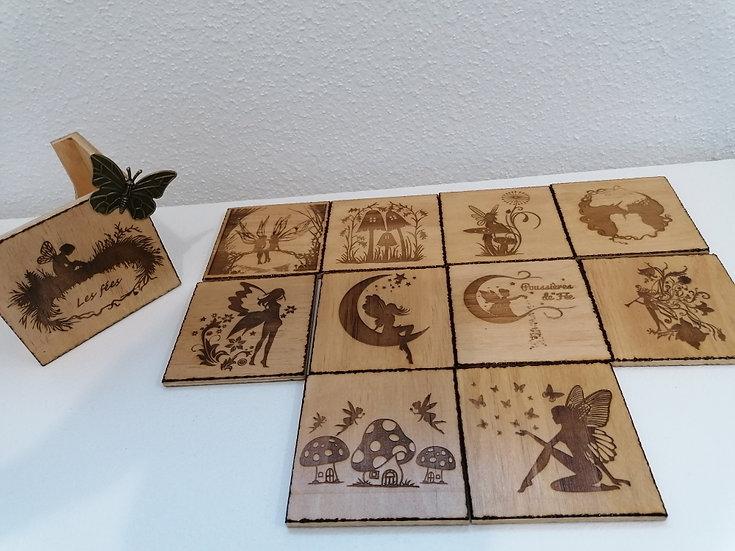 Boîtier de 10 dessous de verre en bois gravé Collection Le Monde des Fées