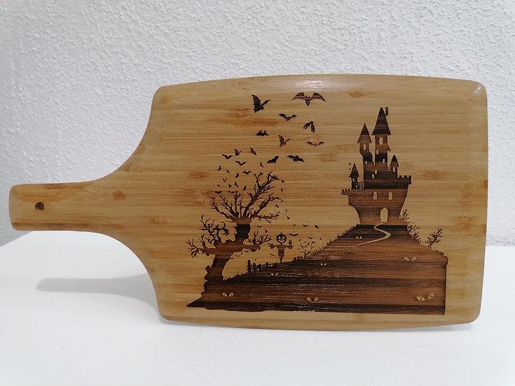 Planche à découper sous plat gravée décoration manoir hanté Halloween