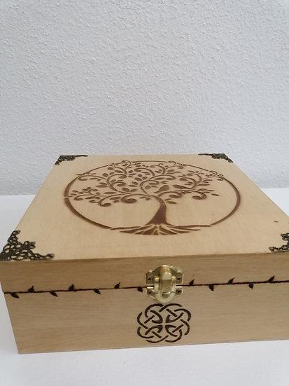 Boîte 6 compartiments en bois gravée d'un Arbre et noeud celtique