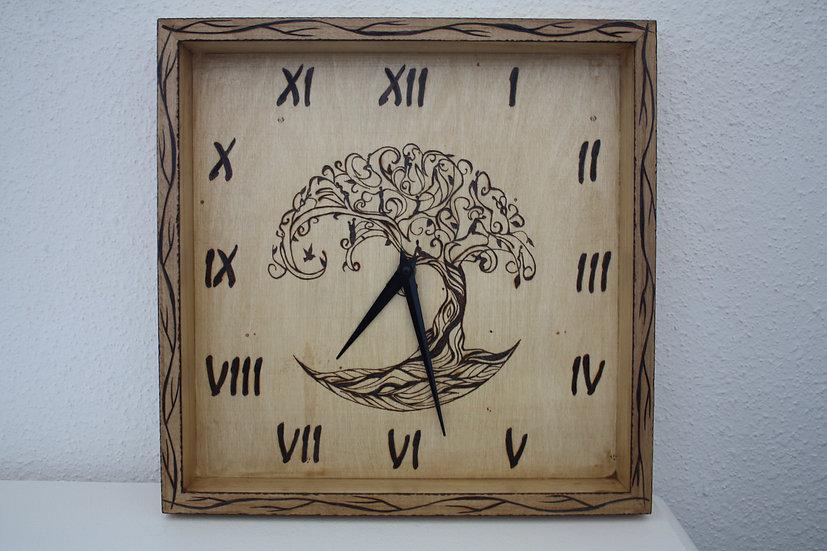 Horloge murale gravée Arbre de Vie Celtique entourée de branches 33cm