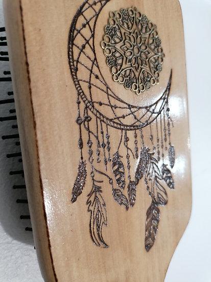 Brosse à cheveux long large en bois gravée d'une lune attrape rêve et soleil