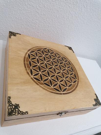 Grande boite de rangement à pierres en bois gravée d'une Fleur de vie