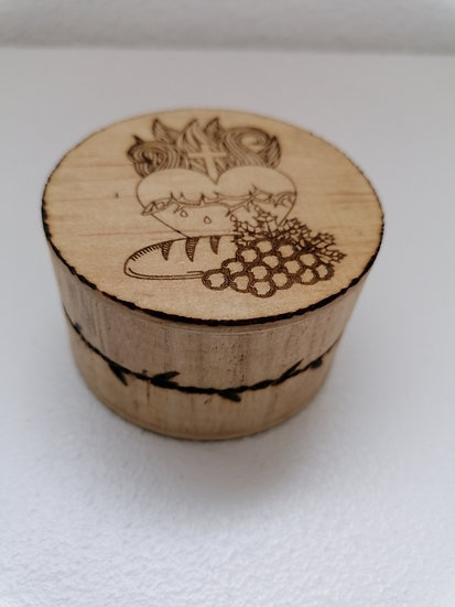 Custode ou pilulier en bois gravé Sacré Coeur de Jésus entouré d'épines