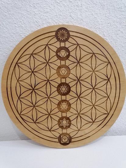 Fleur de vie et chakras en bois gravée 30 cm de diamètre