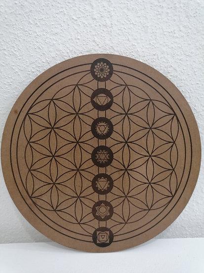 Fleur de vie gravée avec emplacement des chakras en bois Lithothérapie