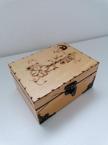 Boite de rangement en bois gravée fée et clef pour thé, huile essentielle