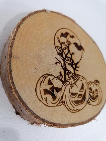 Dessous de verre en rondin de bois brut gravé citrouille et chauve souris
