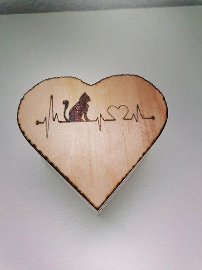 Boîte en bois coffret avec cœur et chat électrocardiogramme thème amour