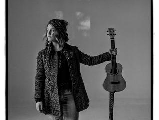 INTERVIEW: Americana Musician EmiSunshine