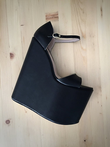 Mega Dolgu Topuk Ayakkabı
