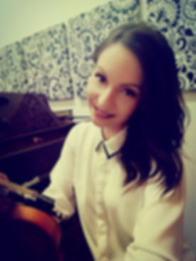 Geigenleherin / Bratschenlehrerin