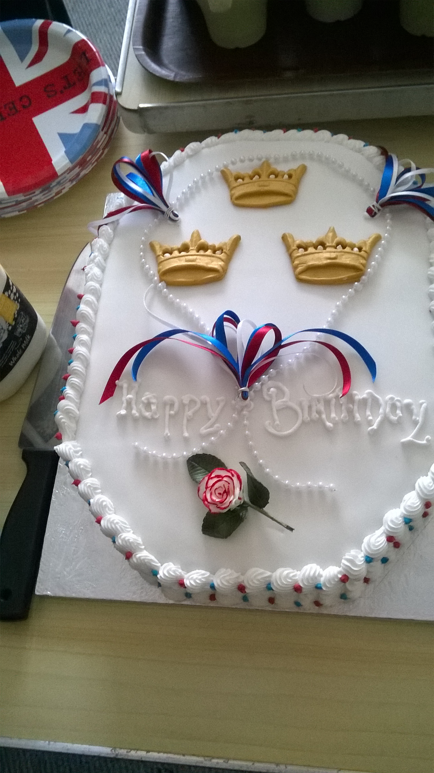 Birthday cake fit for a Queen!