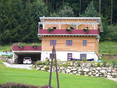 csm_Modernes-Haus-in-Holz-Riegel-Bauweis