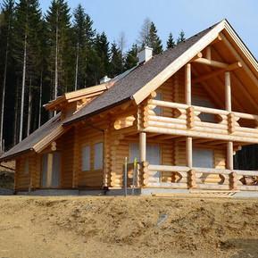 Blockhaus aus Rundholz am Alpl in der Waldheimat
