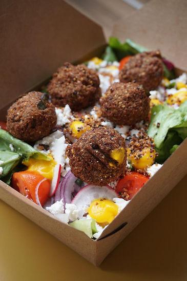Chef Salad Falafal de Feijão e Tofu