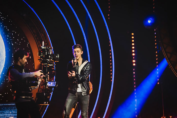 Max-Eurovison-with-stedicam-guy-2.jpeg