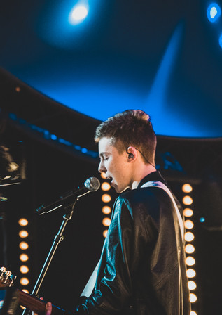 Max live on stage  (6 of 7).jpg