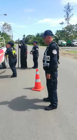 El transito en Bocas Del Toro realiza campaña creativa de concientización a conductores