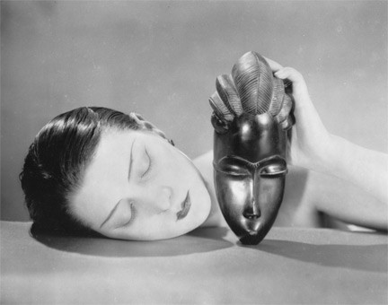 (c) Man Ray - Noire et blanche 1926