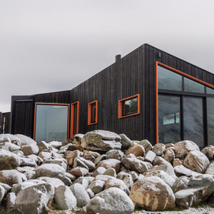 Winter at Skylark Cabin luxury accommodation in Twizel NZ