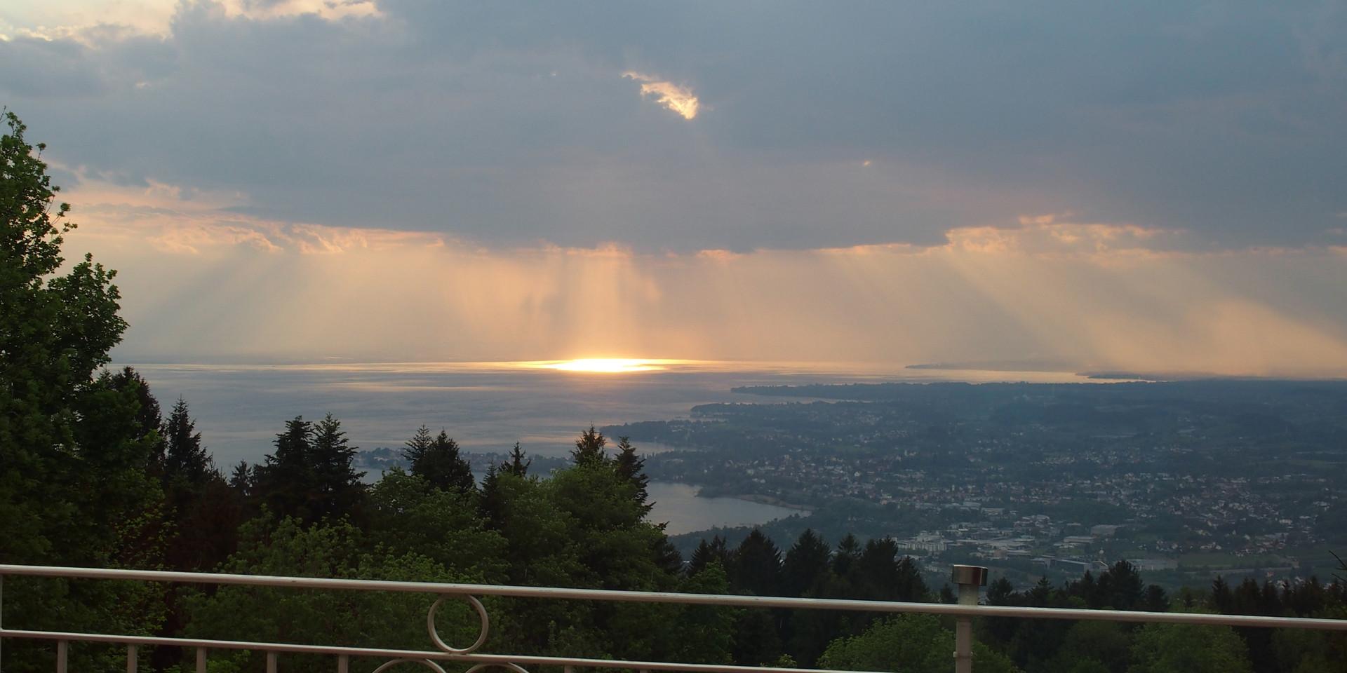 Licht durch die Wolkendecke