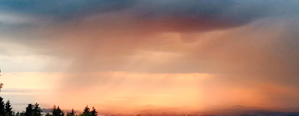 Regen und Sonnenuntergang