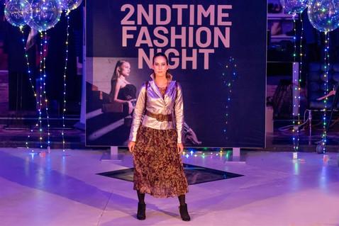 Model fashionshow. 2ndtime boutique.