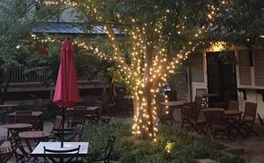 Beautiful & Spacious Outdoor Dining