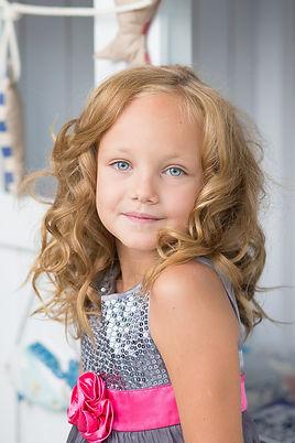 young-girl-510441_1920.jpg
