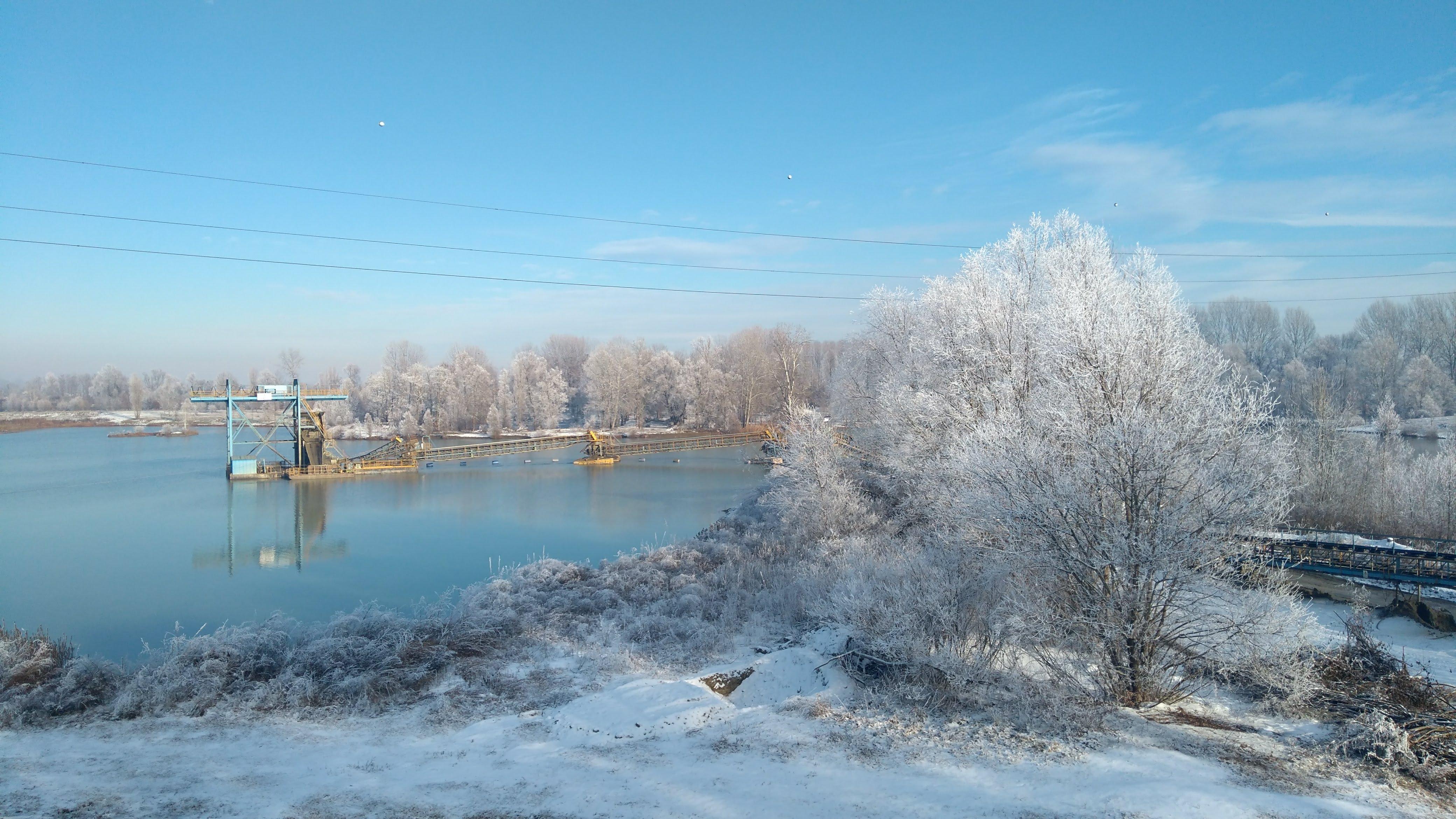 lago e neve