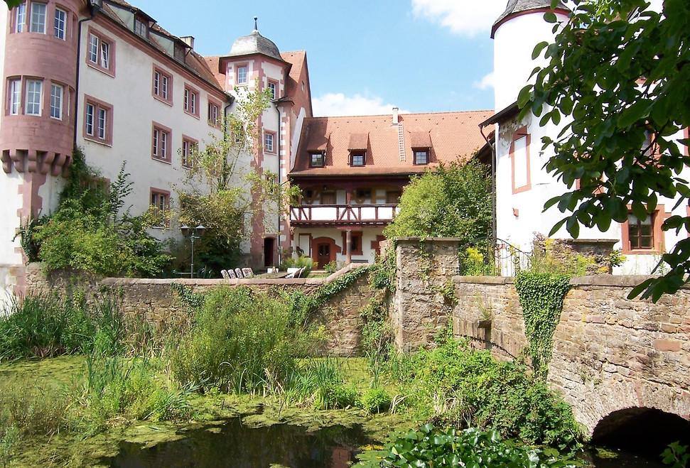 Brücke zum Innenhof