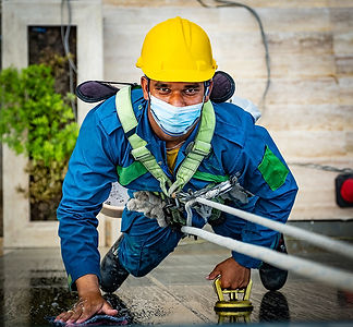 Outdoor-Glass-Cleaning-Service-in-Muscat