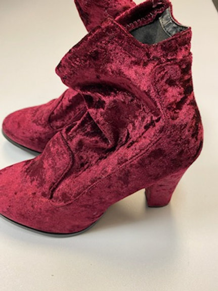 Womens Suede Boots (Velvet)