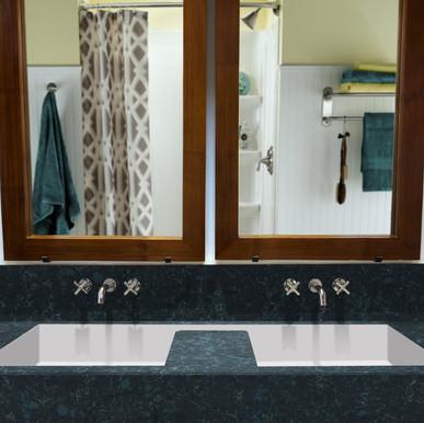 corian_modern-white_bath---custom-sink--2200x1761-32413 7.jpg