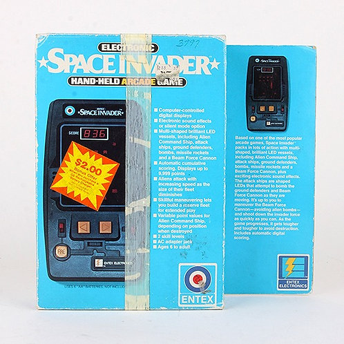 Space Invaders - Vintage 1981 Handheld Electronic Arcade Game - Entex