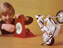 The History Of The Evel Knievel Stunt Cycle Toy Line!