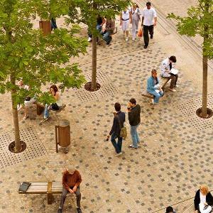 Oxford, Bonn Square © Graeme Massie Arch