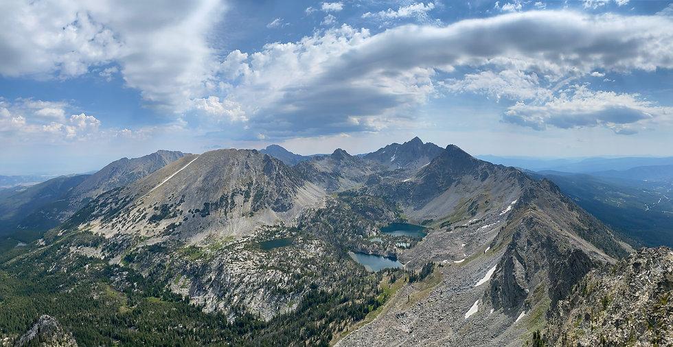 Pano spanish peak 2 no summit.jpg