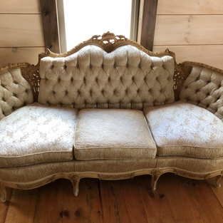 BEIGE ANTIQUE COUCH