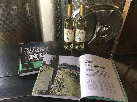 zwirs wijngaard boek wijn en spijs uit NL